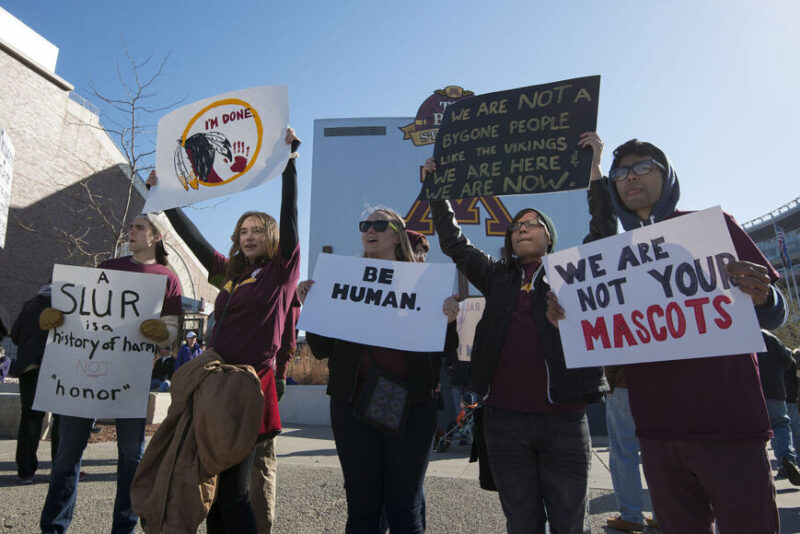Protest mot Washington Redskins